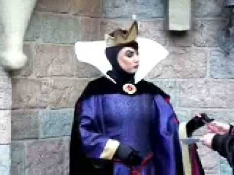 Disneyland Wicked Queen from Snow White & the 7 Dwarfs Meet & Greet Day CLIP 02/15/09
