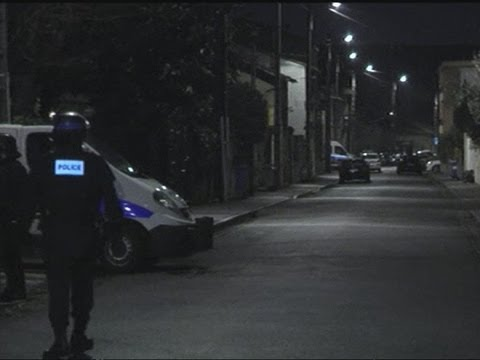 Toulouse shooting suspect Mohammad Merah fires at French police