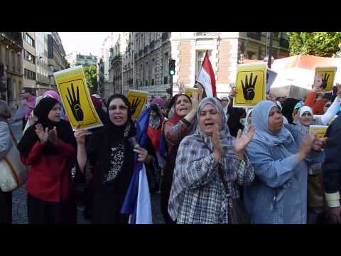 Demonstration of Morsi supporters near embassy of Saudi Arabia in Paris (France)