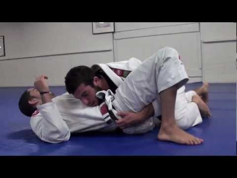 Gracie Barra BJJ - Butterfly Guard Pass by GB Rio de Janeiro's Coach 