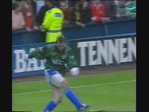 This is a tribute to one of Everton's all time greats, Neville Southall. In his prime he was with out dout the greatest goalkeeper in the world and helped Ev...