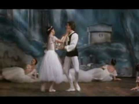 Margot Fonteyn and Ivan Nagy - PDD from 'Les Sylphides'