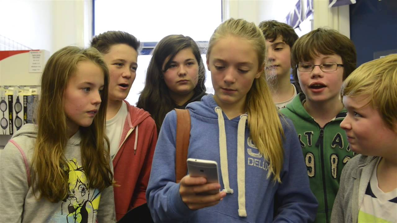 Cyber bullies part of anti bullying week a film by west for Film anti effraction fenetre