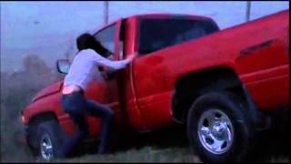 Smallville - Clark saves Lana during tornado storm