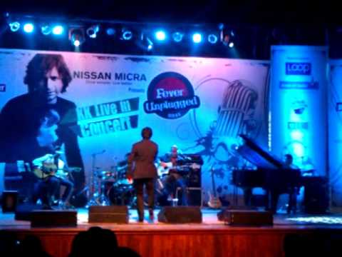 KK - Fever Unplugged - 16-06-2012 - Aankhon Mein Teri.3gp