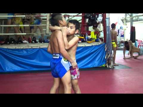 Muay Thai Clinching at Saengmorakot Gym Image 1