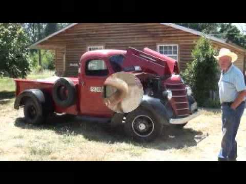 1938 IHC International Harvester One Ton Dually Green Diamond Engine