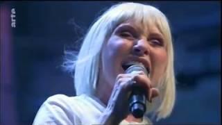 """Blondie: """"Atomic"""" - Live in Berlin 2017"""