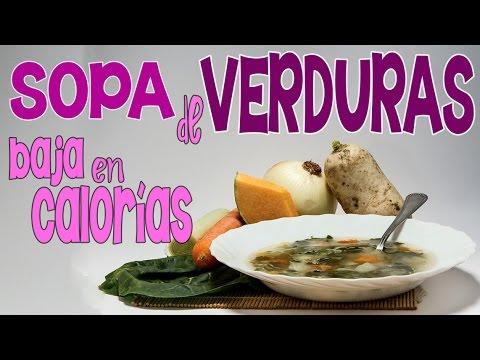 Receta saciante de sopa de verduras con sólo 30 calorías por porción