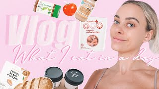 WHAT I EAT IN A DAY TO LOSE FAT + KEEP MUSCLE // SOME OF MY FAVOURITE HEALTHY FOOD