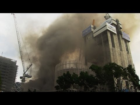Threat of a crane collapse after fire at Barangaroo worksite