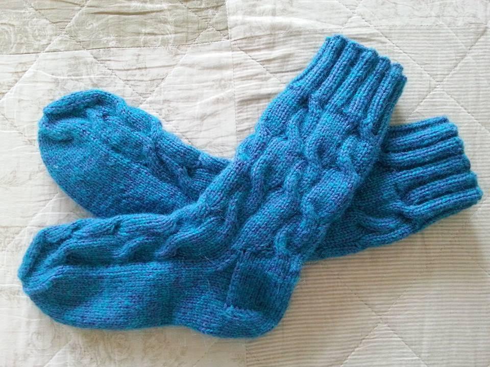 Вязание носок с косами 749