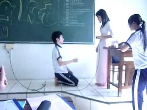 Nam sinh tỏ tình cô giáo