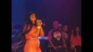 Watch Lil Kim Drugs video