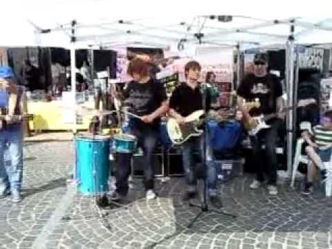 Mercatino musicale di Carpenedolo Live allo stand LA BOTTEGA DELLA MUSICA 2.3gp