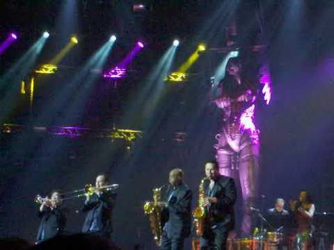JOHNNY HALLYDAY SAINT-ETIENNE 13.05.09 (INTERLUDE CHORISTES)