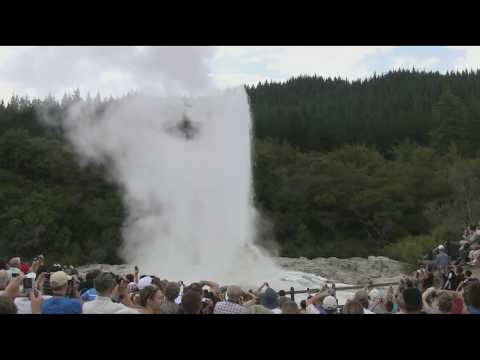 Rotorua videos: Lady Knox Geyser, Wai-o-Tapu, Rotorua, New Zealand, filmed with Steadicam HD