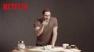 Lucifer   Tom Ellis prepara o pão que o diabo amassou   Netflix Brasil