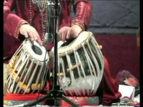 Tari Khan Performing  Balgandharv Sangeet Mohtsav 2013 video