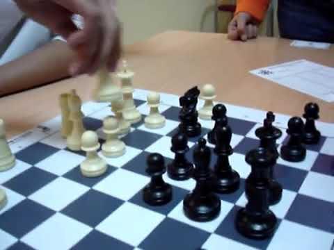 Jugar al ajedrez produce traumas infantiles.
