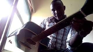 Kwiga guitar by Pareke. Isomo 7 Amanota ya minor. Some guitar minor chords for the guitar beginners!