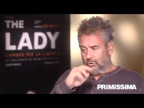 Intervista a Luc Besson per il film The Lady sulla vita di Aung San Suu Kyi - Primissima.it