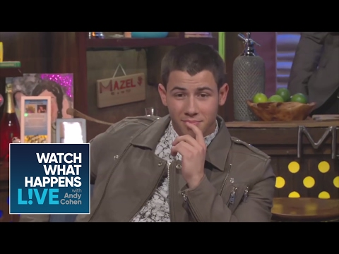 Nick Jonas Goes Nude!