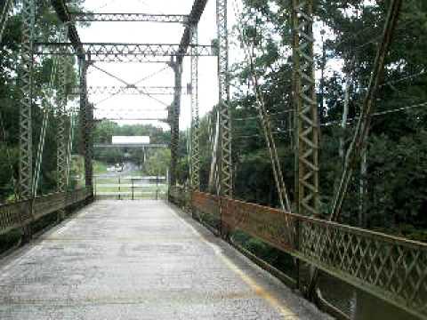 Abandoned orange road bridge over the olentangy river