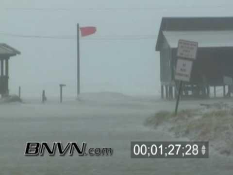 7/10/2005 Hurricane Dennis Video Part 10 - Navarre Beach Storm Surge