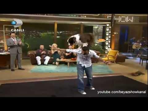 Beyaz Show b�l�m 26 Nisan 2013 Ak�ll� K�pek Max in Yetenekleri hayvanlar