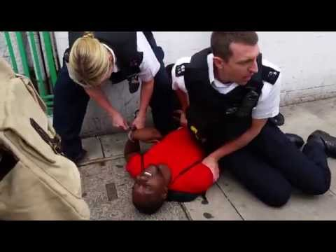 uk police violently arrest man taking son shopping