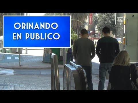 En P Blico Bromas La Calle Pesadas Videos De Risa Orinando