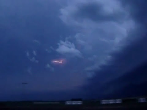 Amazing Supercell, lightning and gustfront in La Pampa, Argentina 11/01/10
