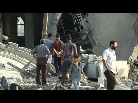 Israel Palestine Conflict 2014 - Gaza mosque turned to rubble in latest strike | RAW VIDEO