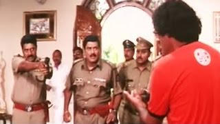Hindi Dubbed Movie 'International Khiladi' Action Scene | Police Fight