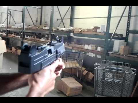 UZI Fully Automatic Blank Firing Machine Gun Firing