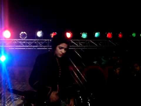 QB ♥ performing Humsafar in lahore ►► (28th dec 2011)....