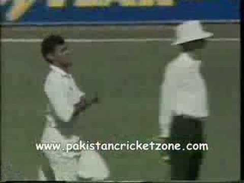 Waqar Younis Banana Swing!