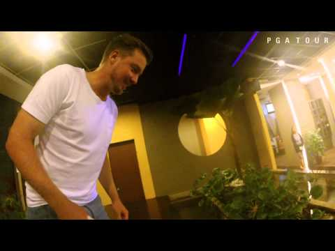 Jonas Blixt lets fish clean his feet