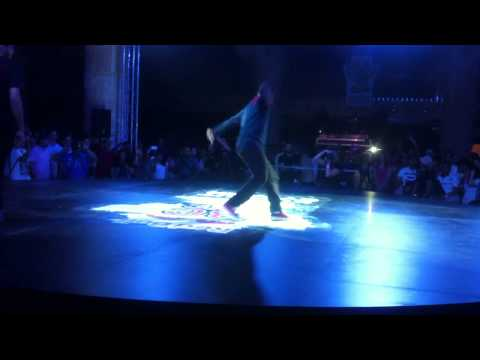 Bboy Lilou And Bboy Pelezinho In Kuwait 2013 video