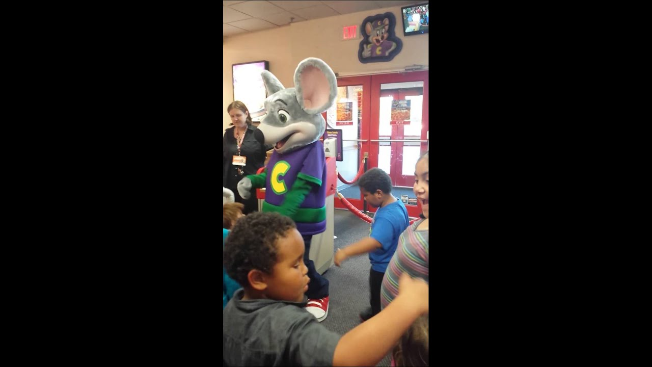 My Son Dancing With Chuck E Cheese Youtube