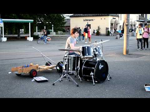 Baard Kolstad, el mejor baterista callejero de Noruega