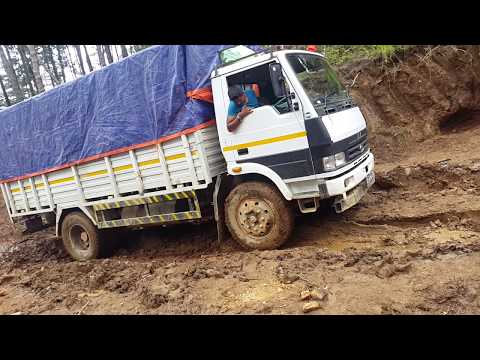 nepal dangerous road