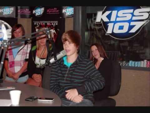 Justin Bieber Kissing Fan In Canada. Justin Bieber in studio KISS