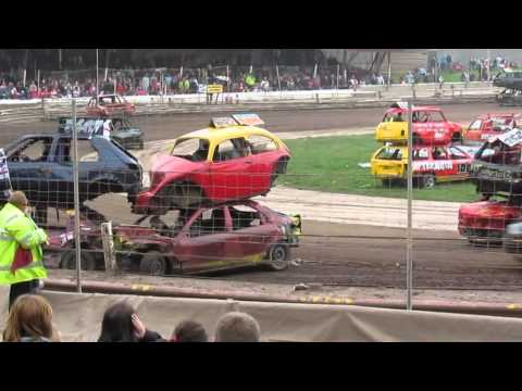 Mildenhall Siamese Bangers 5/6/12