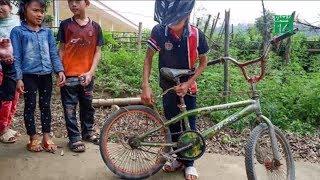 Xe đạp không phanh của cậu bé Sơn La đấu giá được hơn 100 triệu | VTC14