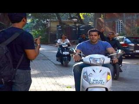 Salman Khan's SCOOTER RIDE for FUGLY!