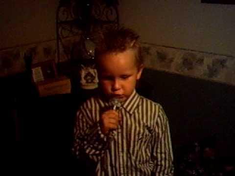 Cute Kid Singing chicken Fried video