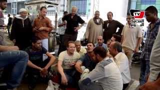 أحد الباعة عن مقابلة «محلب»: مشروع الترجمان «لعبة قذرة» عمالها محافظ القاهرة