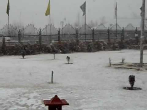 Winter in Kashmir, Snowfall in Kashmir - Indian Winter Snow Tours & Travel Video